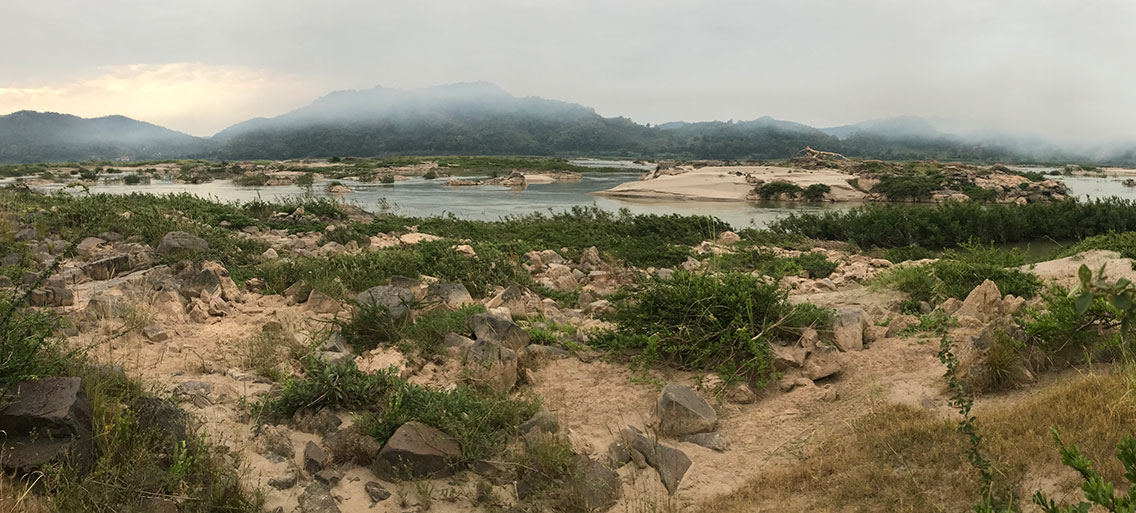 Mekong River, off Route 11 north-west of Vientiane, Laos. Jerdon&apos;s Bushchat habitat.</br>The river is the border with Thailand, which is visible on the far side., 75km north-west of Vientiane, Laos.